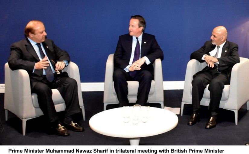 Prime Minister Muhammad Nawaz Sharif in trilateral meeting with British Prime Minister Mr. David Cameron and Afghan President Mr. Ashraf Ghani on the sidelines of COP21 Climate Change Summit, Paris on November 30, 2015.